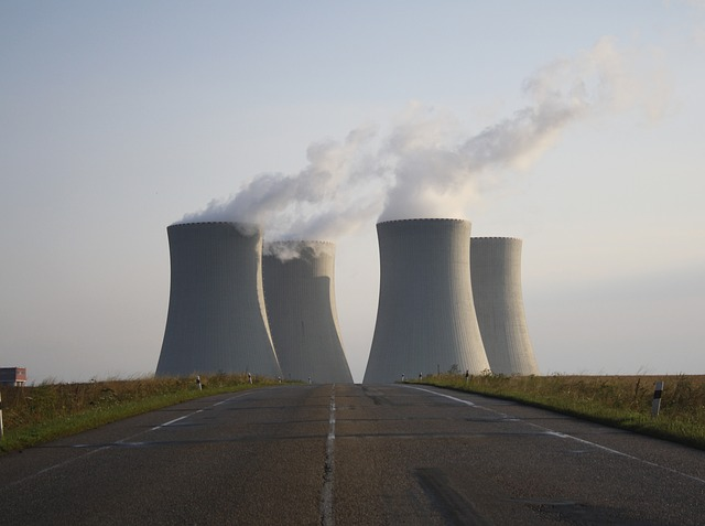 Il nucleare all'Iran consentirà di abbassare il prezzo del petrolio, su cui è consigliato fare trading al ribasso.