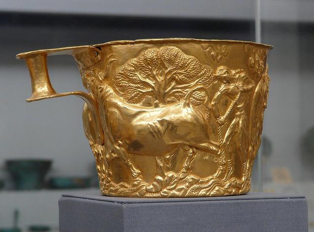 Al prezzo dell'oro va aggiunto il prezzo del manufatto nel caso si acquistino oggetti antichi